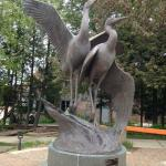 Trumpter Swans sculpture by Tony Angell