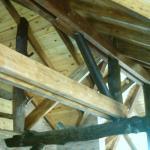Techo de madera de la casa principal