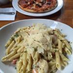 Delicious pastas & pizza