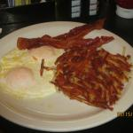 easy over eggs, hashbrowns and bacon