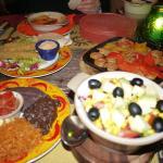 トルティーヤとアボカドサラダ