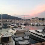Marina au coucher du soleil