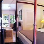 Deluxe King Jacuzzi Room