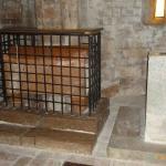 La tomba dei santi