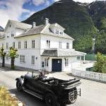 Fjaerland Fjordstue Hotell