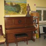 anybody plays piano?