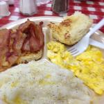 Eggs, bacon, grits, biscuit