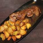 Repas canaille avec mon homme! une planche de cochonnaille et un rognon de veau rosé Accompagné