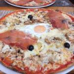 Bruchetta et pizza