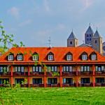 Rückansicht mit Abtei Münsterschwarzach