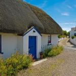 thatch cottage in the kilmore quay