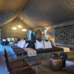 Winter lounge at Linkwasha Camp