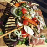 Excellent repas avec une équipe de serveurs très pro...à refaire très vite au balcon!