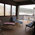 Photo de Oppiesee Selfcatering Apartments