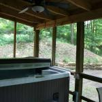 Lincoln Cabin Hot Tub / Outdoor Fire-pit