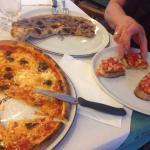 Pizza Il Cantucchio, bruschetta and calzone