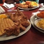 Photo de Gladys Knight's Chicken & Waffles Concepts