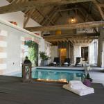 Espace bien-être : Piscine intérieure chauffée, Spa, Hammam, Sauna, massage bien-être