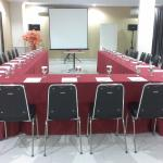 I book the meeting room for my business presentation, satisfied ! sure...!