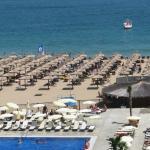 Вид из номера на пляж т бассейн