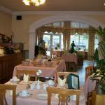 The breakfast room at Old Weir Lodge