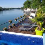 Terrasse et vue piscine