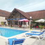 vue de l'extérieur de l'hotel avec la piscine