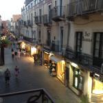 Blick auf Corso Umberto am späten Abend