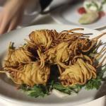 Gamberi incatenati in spaghetti fritti