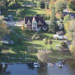 Saucy Willow Inn B&B and cottages from the air