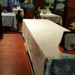 i love the table cloths