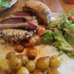 Burger du jour sauce foie gras