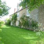 Home Farmhouse Front Garden