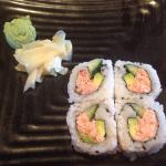 4 piece California roll