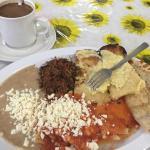 El Gallito de Leonor and café de olla. Tamales were my favorite.
