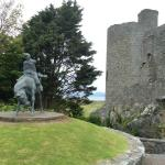 Less than 5 minutes walk from hotel - Harlech Castle