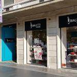 Il negozio dellaBialetti la caffettiera degli italiana apre il negozio  a Piazza Cola di Rienzo