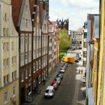 Die Pension liegt sehr zentral. Zum Alten Markt mit dem Rathaus und der Nikolaikirche sind es nu