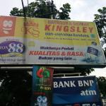 Tampak depan Batagor & Siomay Kingsley di Bandung