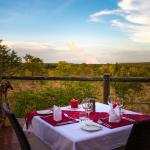 The Elephant Camp West, Lunch for two!