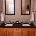 Heiss Room Vanity