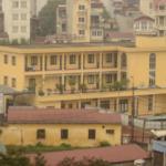 vista del edificio público desde la ventana del Mercure y ciudad.