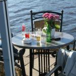 Abendstimmung auf der Terrasse/dem Steg