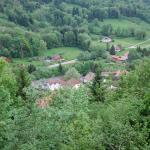 vue du village depuis le sentier de randonnée