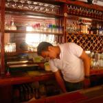 uno dei barman