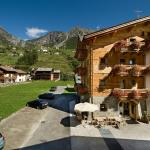 Photo of Alpen Hotel Chalet