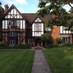 Foto de Tudor Grange Hotel