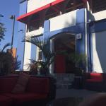 Lounge, entrada al hostel