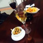 вино и закуски