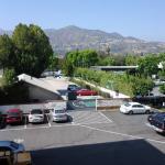 Aqui se puede ver el amplio estacionamiento
